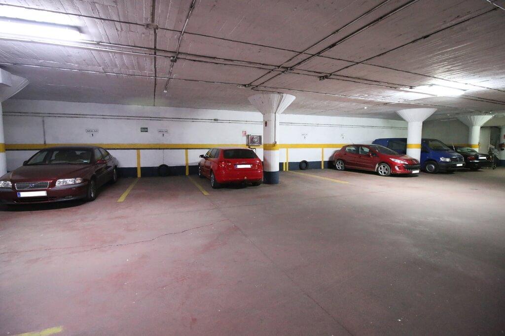 Hotel Apartamentos Aralso (Centro) - Garage